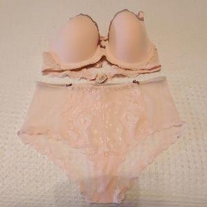 Victoria's Secret Bra Angels 36C, Panty L NWOT